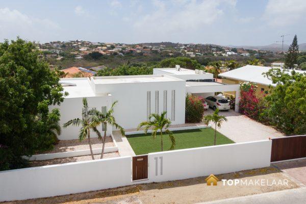 * NIEUW * Moderne villa met appartement Cas Grandi