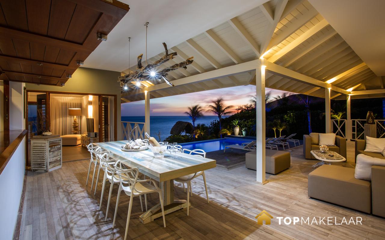 Luxe oceanfront villa Boca Gentil