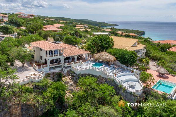 Riante landelijke villa in Spaanse stijl
